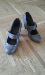 Срочно Туфли женские почти новые