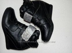 ботинки сникерсы р 39 Последняя пара
