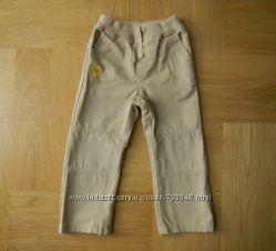 2-4 года новые без этикетки фирменные джинсы. Длина - 54 см, шаговый - 36 с