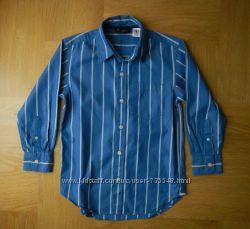 6-7 лет Gap отличная рубашка хлопок. Длина от плеча - 58 см, ширина - 43 см