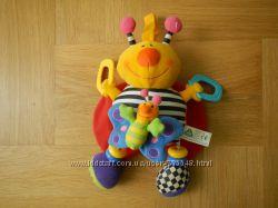 ELC Красочная игрушка музыкальная виброподвеска с фактурными вставками и бе