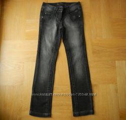 10 лет Tom Tailor отличные фирменные джинсы. Длина - 90 см, шаговый - 69 см