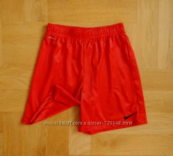 147-158 см Nike спортивные отличные шорты. Длина - 42 см, пояс 32-42 см, бе