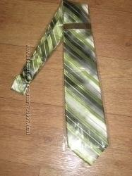 Фирменный новый галстук