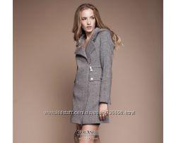 Стильное деми пальто Москино, 2 модели.