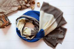 Стильный красивый осенний шарф