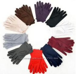 Тонкие женские перчатки