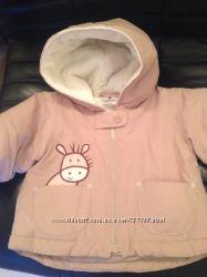 Теплая курточка с игрушкой в кармане