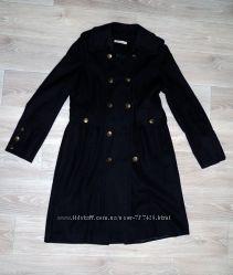 Демисезонное пальто в идеальном состоянии, шерсть