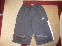 Фирменные шорты Nike , Оригинал на 12-13 лет, состояние идеальное