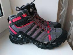 Новые ботинки Adidas Gore Tex 38-39р. 25. 5 см.