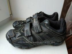Кожаные демисезонные туфли Geox 34р.