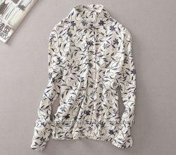 Стильная, льняная блуза с цветочным принтом. В наличии.