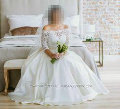 Атласное свадебное платье с болеро для счастливой невесты