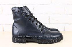 Стильные женские высокие ботинки. Кожа. черные, синие