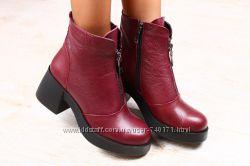 Стильные женские высокие ботинки на толстом каблуке. Осень и зима