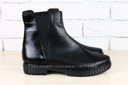 Женские демисезонные ботинки. Кожа