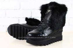 Стильные женские зимние ботинки на платформе. В наличии