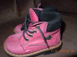Демисезонные ботиночки на девочку 20 размер.
