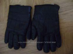 Мужские кожаные перчатки черного цвета. Размер 8. Бу.