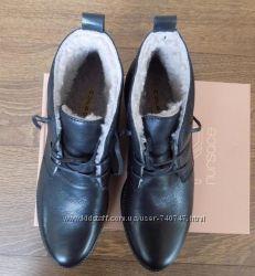 фирменные ботинки Nursace.  40р