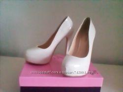 Продам туфли 35 размера цвет айвори