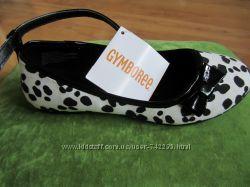 Продам новые туфельки на девочку Gymboree