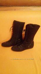 Сапоги на шнуровке GIVENCHY р 37-37, 5