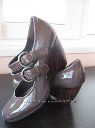Туфли Clarks натуральная лаковая кожа размер 37, 5