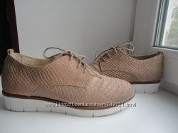 раз. 37, 5. -38. Красивые туфли P. I. U. R. E.