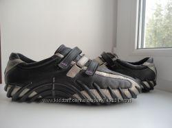 Раз. 38. Кожаные  кроссовки Ecco.