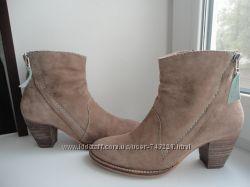 раз. 38. Замшевые полусапожки- казаки , SPM shoes, boots