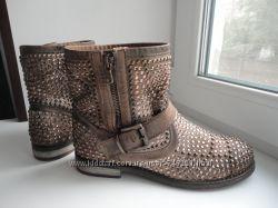 Шикарные полусапожки ботинки L&acuteIDEA. раз. 38