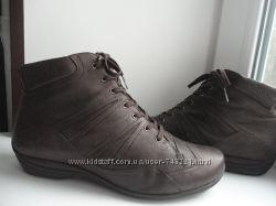 Демисезонные ботинки Durea. раз. 38