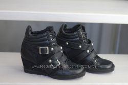 Шикарные, кожаные ботинки от английского бренда Dune. Раз. 37