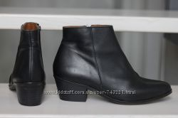Моднячие шикарные ботинки от Jones. Испания. Раз 40