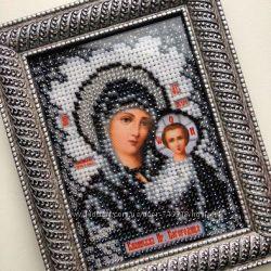 Икона Казанской  Божией Матери вышита бисером