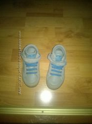 Продаються черевики
