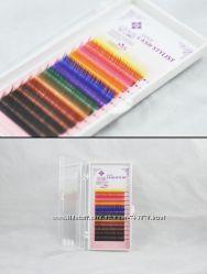 Цветные ресницы на планшете