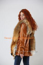 Куртка-жилетка из ярко рыжей кожи с мехом лисы
