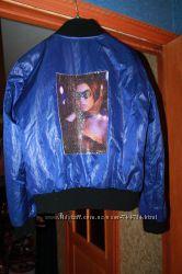 курточка осенняя 48-50 рр  рисунок на спине