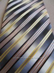 Красивый галстук Италия  почти новый