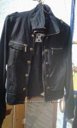 Легкая куртка новая размер M