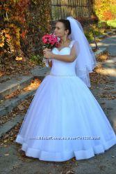 Очень красивое свадебное платье р. 46-52