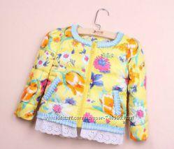 Красивая курточка  Zara на девочку желтая 116 и 128 см