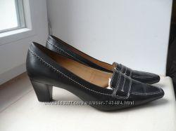 Кожаные туфли GEOX 38 разм.