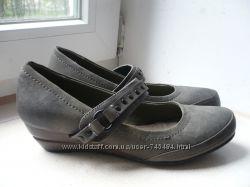 Новые красивые туфли Centro р. 36. 5, стелька 23 см.