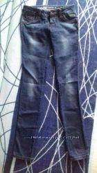 узенькие джинсы