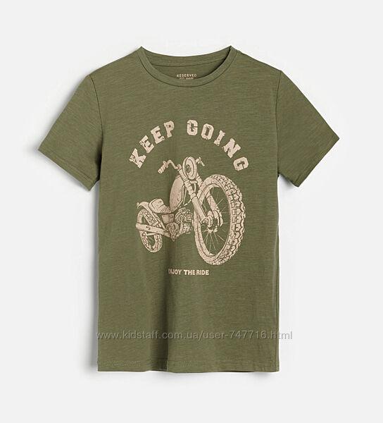 Стильная футболка с мото принтом Reserved
