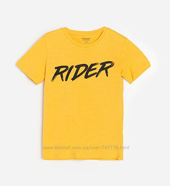 Яркая футболка с принтом на мальчика Reserved
